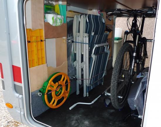 La soute avec les vélos